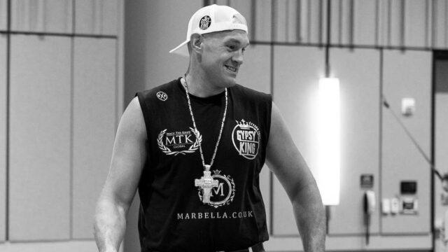 Tyson Fury Canelo vs Saunders Dallas